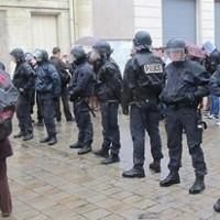 manifestation régularisation sans papiers devant la préfecture d'Angers