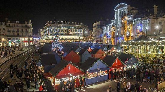 marché de Noël place du Ralliement à Angers