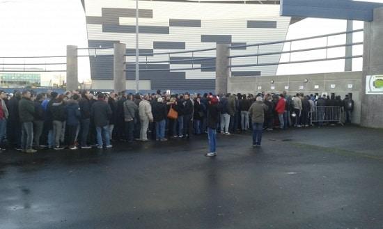 queue devant jean-bouin pour SCO - PSG