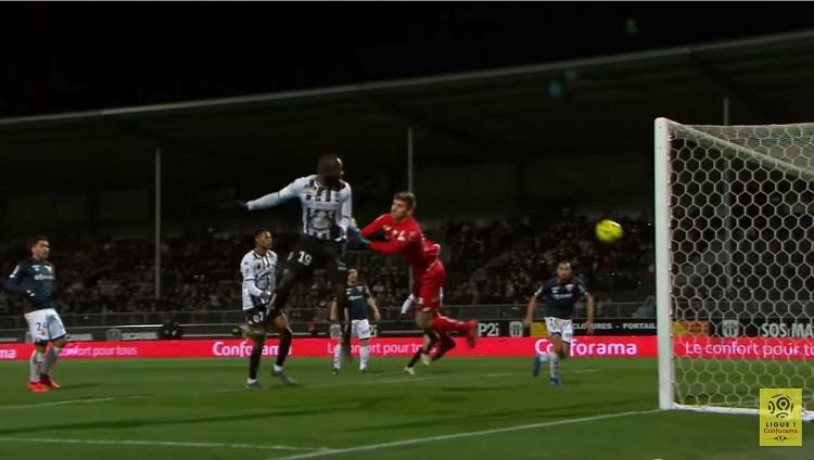 Bahoken : buteur d'Angers SCO lors du match contre le Dijon FC